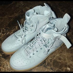 Nike Shoes - Nike high top utility sneaker 7 youth grade school